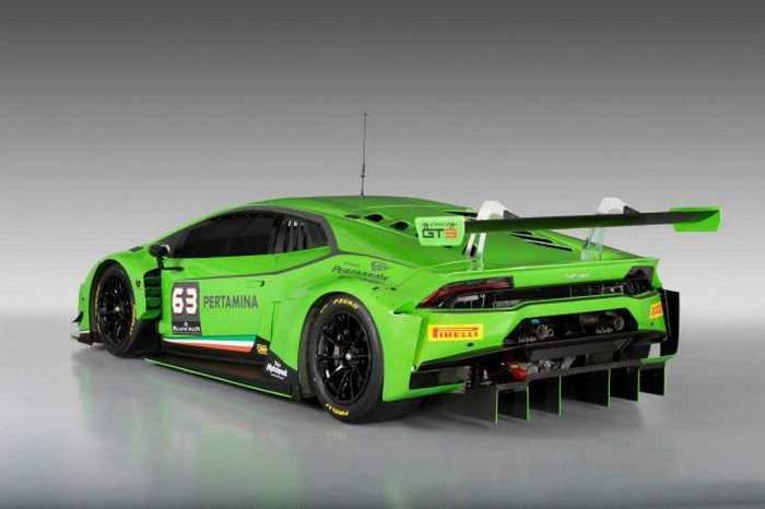 Lamborghini Huracan GT3 с изменённым задним подрамником.