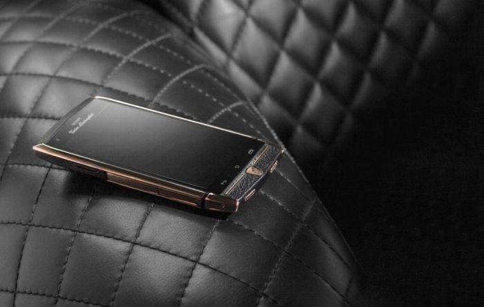Статусный смартфон от Tonino Lamborghini.