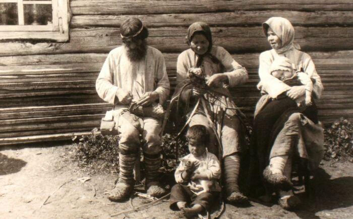 Лапти умели вязать почти все крестьяне. ¦Фото: ya.ru.