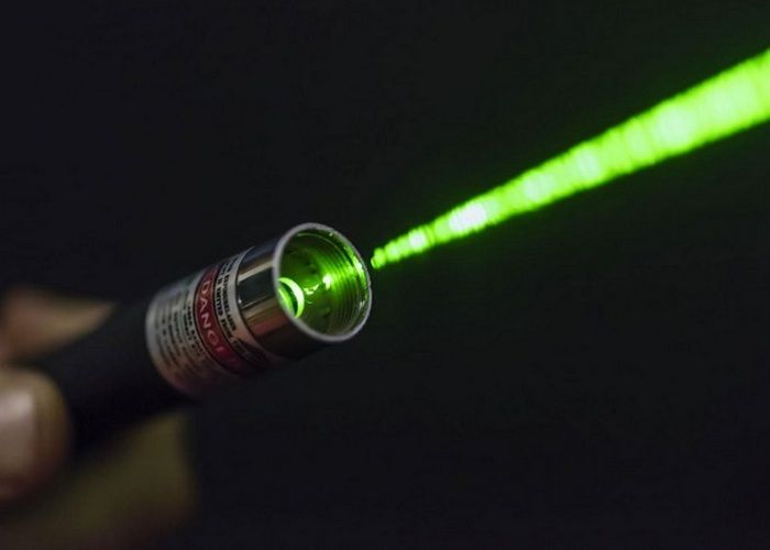 Запрещенные лазеры в магазинах.