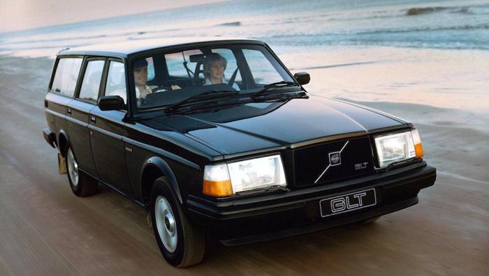 Volvo 240.