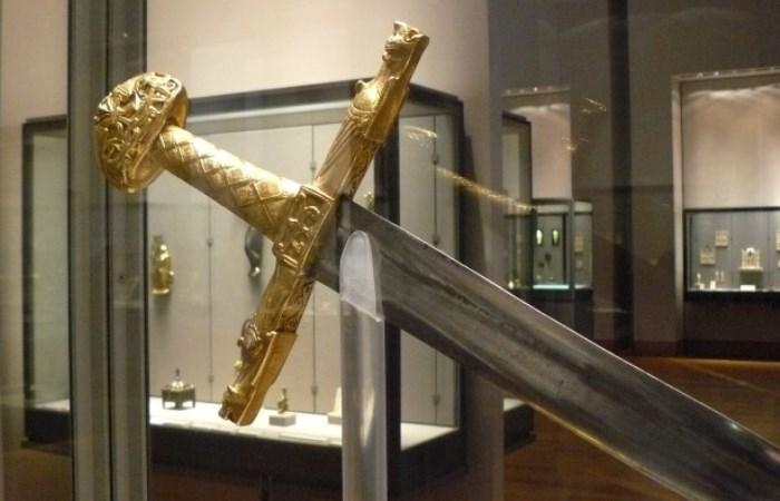 Легендарные мечи о которых сложены легенды.