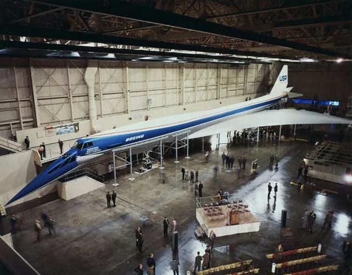 Boeing 2707.