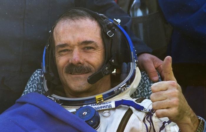 Каждый четвертый астронавт - левша.