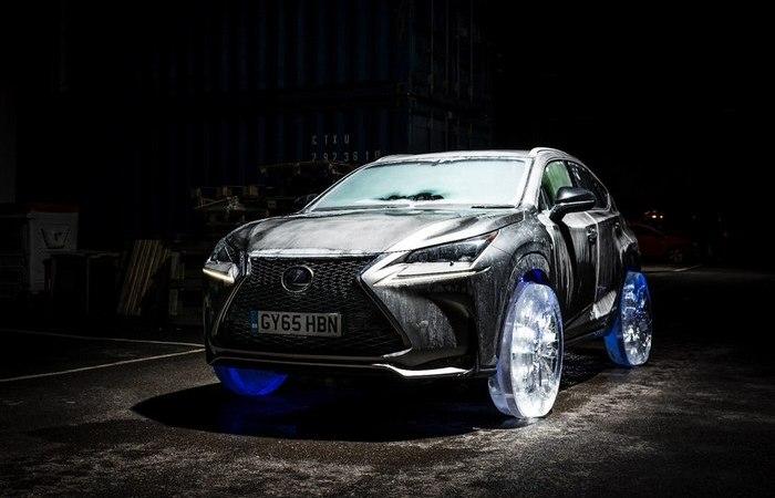 Настоящие ледяные колеса настоящего Lexus.