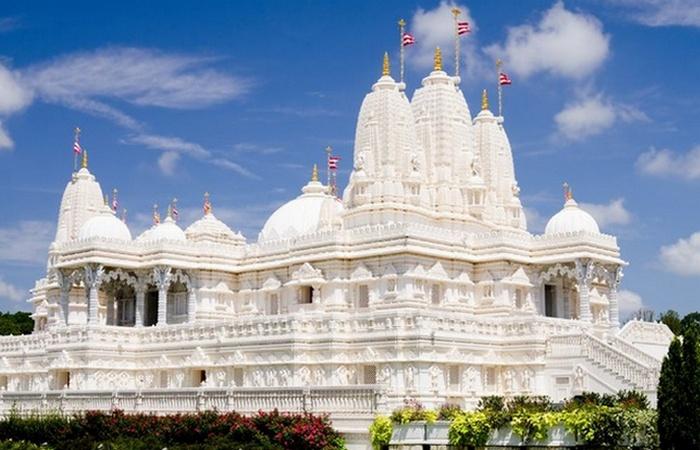 Альтернативный способ жизни: ашрамы, храмы и коммуны.
