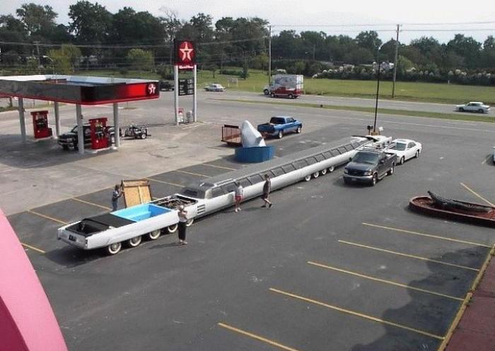 Самый длинный в мире лимузин.
