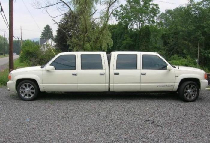 Лимузин с двойной кабиной.