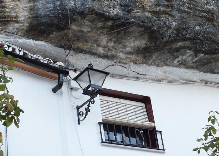 Скромное очарование Сетениль-де-лас-Бодегас.