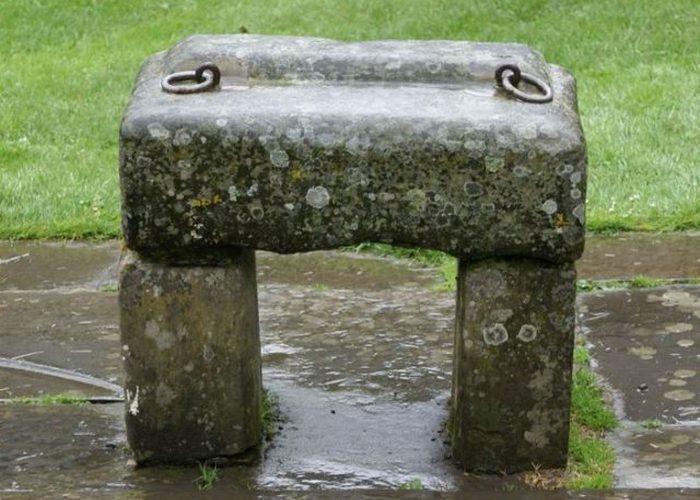 Скунский камень.