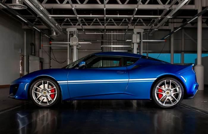 V6 400-сильный 3,5-литровый двигатель.