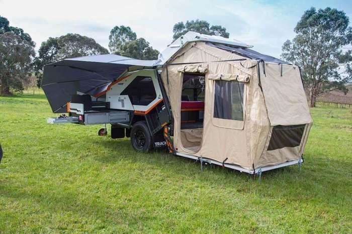 А вот палатка-веранда развернута.