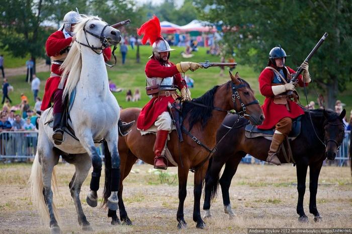 В Европе лук не перенимут только потому, что рыцарская конница по экономическим причинам продержится там до широкого распространения огнестрельного оружия. |Фото: fishki.net.
