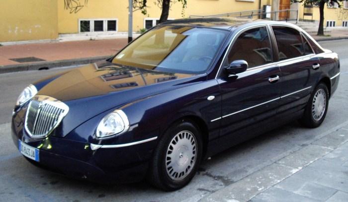 Роскошный Lancia Thesis