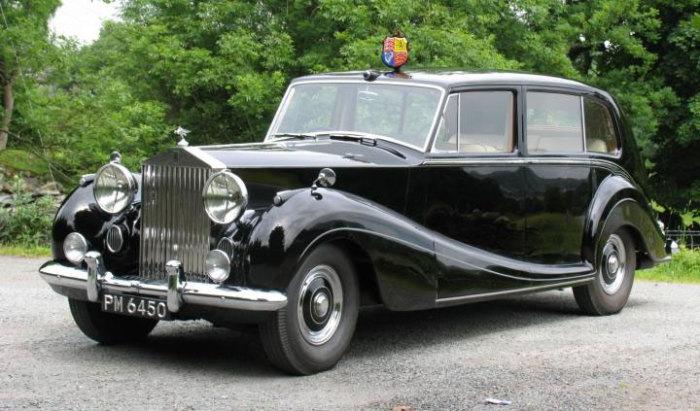 Rolls-Royce Phantom IV - один из самых популярных правительственных авто в Великобритании и Испании.
