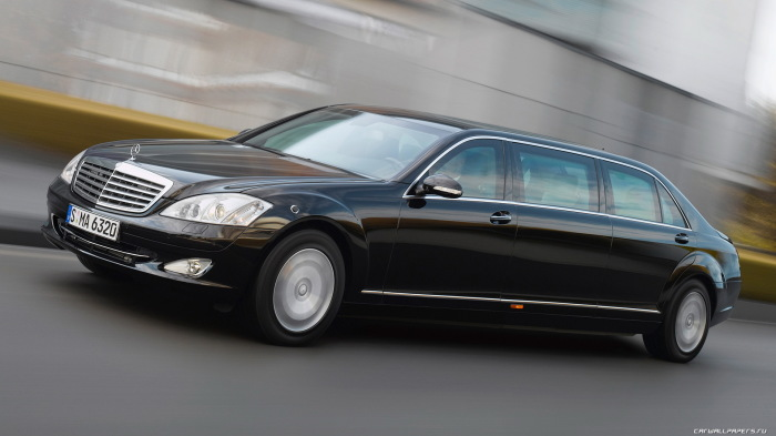 Автомобиль Путина Mercedes-Benz S600 Guard Pullman.