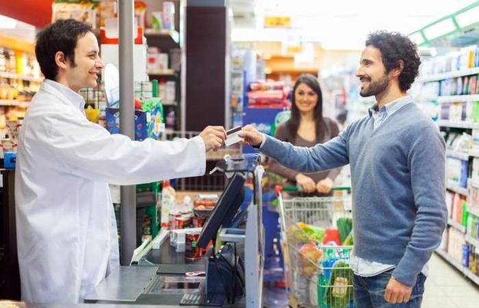 Темп фоновой музыки существенно влияет на потоки в магазине.