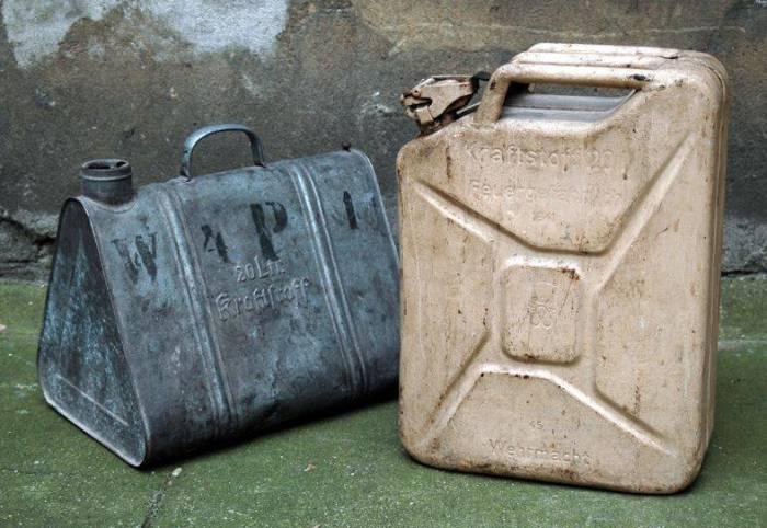 Старая и новая канистры. |Фото: topwar.ru.
