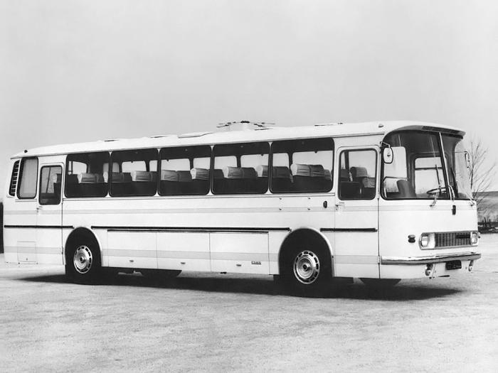 Автобусы становились все совершеннее.  Фото: nashi-avto.ru.