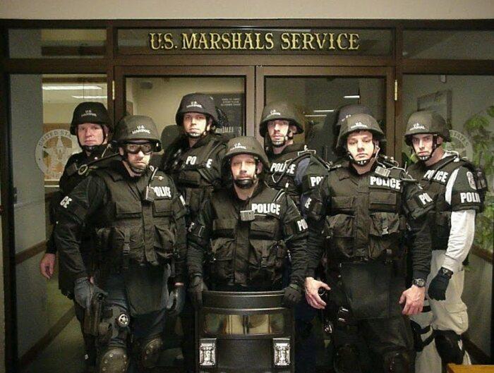 У маршалов широкие полномочия, но и большие обязанности. |Фото: Twitter.