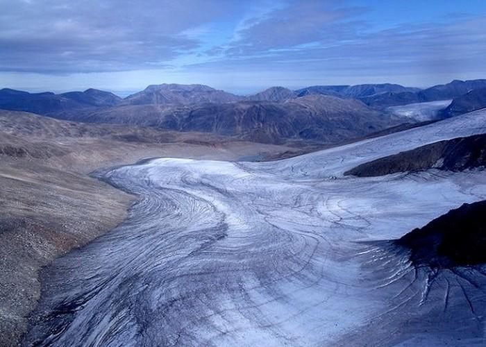 Вода заморожена не только в полярных шапках.