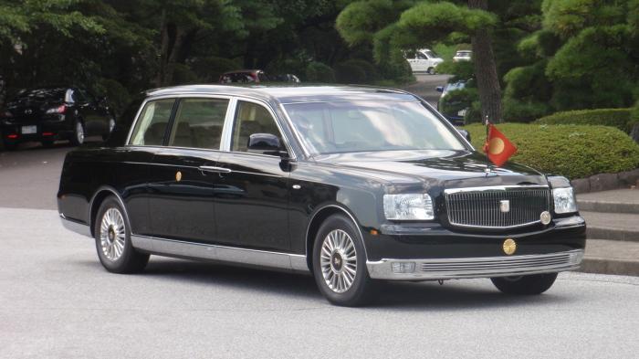 Машина императора Японии Toyota Century Royal.