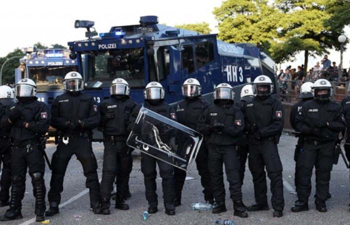 Машины, которые используют для разгона демонстрантов.