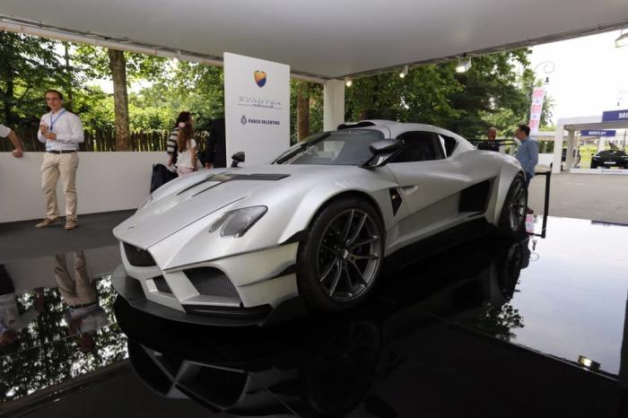 Самый мощный спорткар от итальянцев.