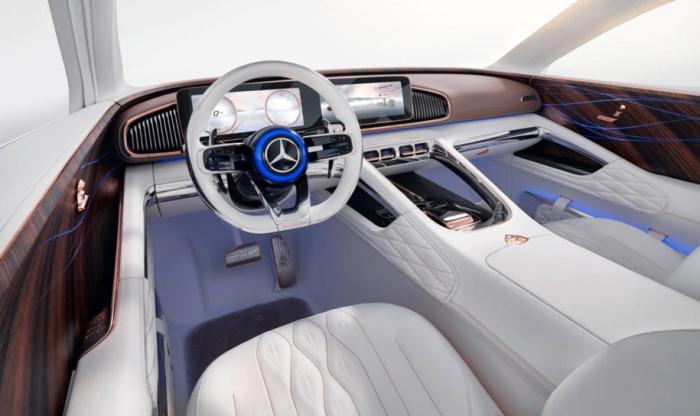 В салоне Vision Mercedes-Maybach царит роскошь.