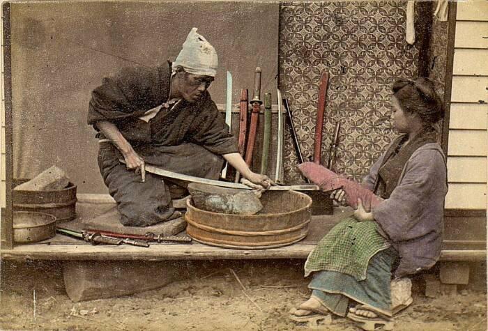 Главная проблема японских кузнецов - дефицит железа. |Фото: topwar.ru.