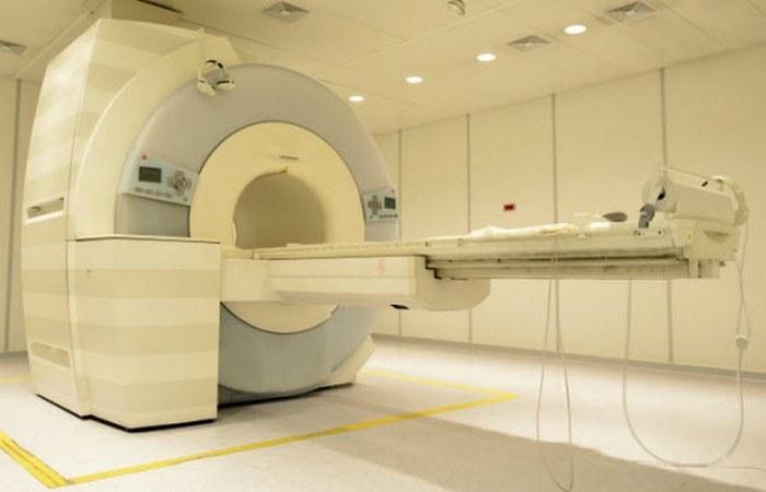 Почти все оборудование в больнице.