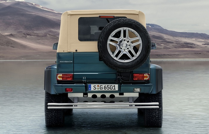 Корма Mercedes-Maybach G650 Landaulet.