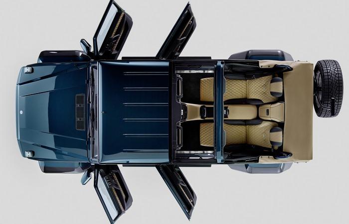Вид сверху Mercedes-Maybach G650 Landaulet.