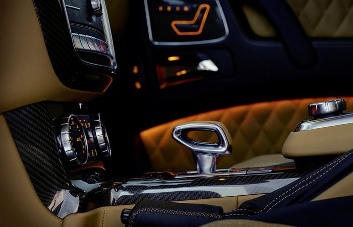 Роскошь со вкусом Mercedes-Maybach G650 Landaulet.