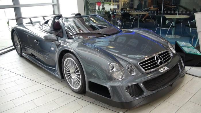 Премиальный спорткар CLK GTR AMG Roadster.