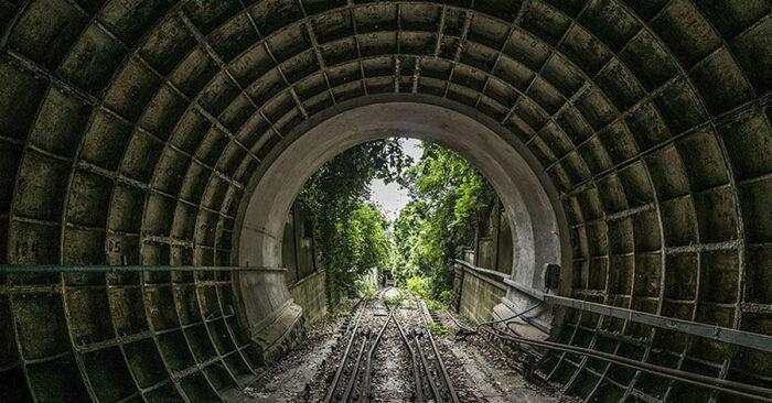 Часть проходит в тоннелях. |Фото: pikabu.ru.