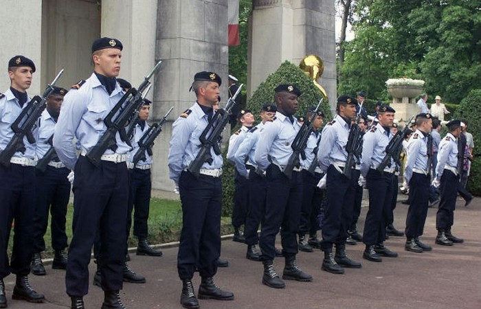 Армия Франции.