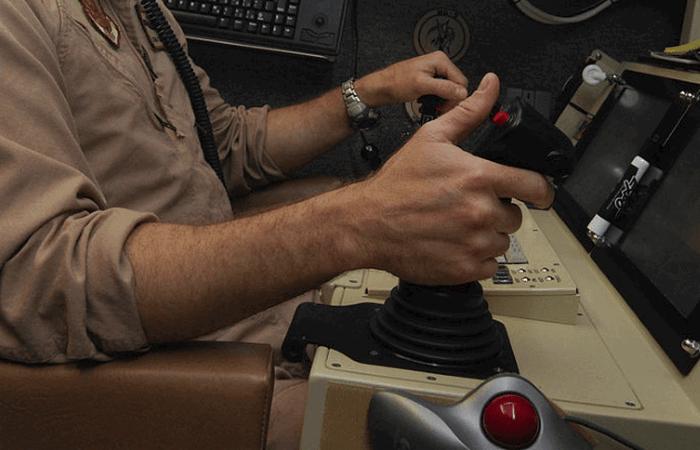 Управляют БЛА высококвалифицированные пилоты.