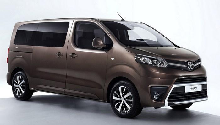 Минивэн Toyota Proace.