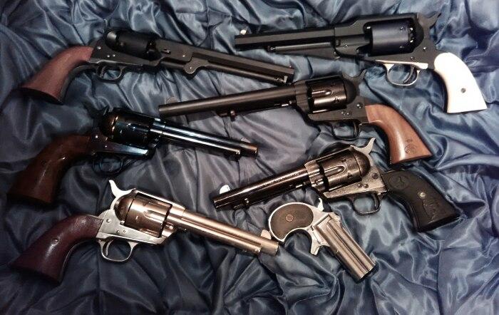 Кольт выпускал множество видов револьверов. |Фото: forum.guns.ru.
