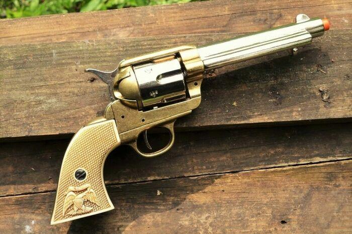 Миротворец - самый популярный револьвер Кольта. |Фото: e-pard.com.