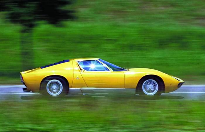 Miura - прародительница всех среднемоторных Lamborghini.