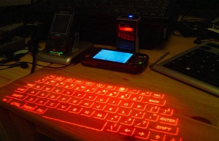Изобретение 21 века: виртуальная клавиатура.