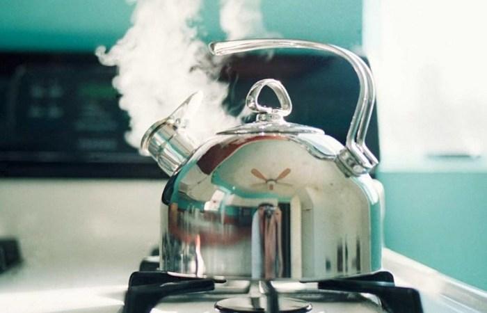 Сколько раз можно без последствий кипятить воду в чайнике