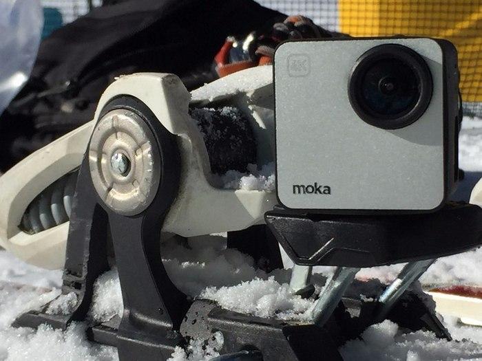 Камера помещена в алюминиевый корпус с жестким каркасом.