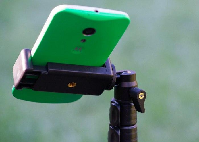 Универсальное крепление для смартфона.