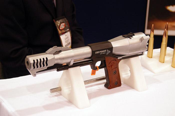Огромный пистолет. |Фото: drive2.com.