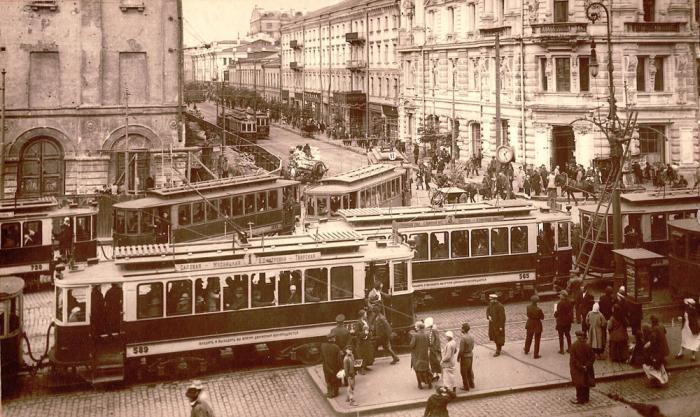 Транспортный коллапс в центре Москвы. 1920-е годы.