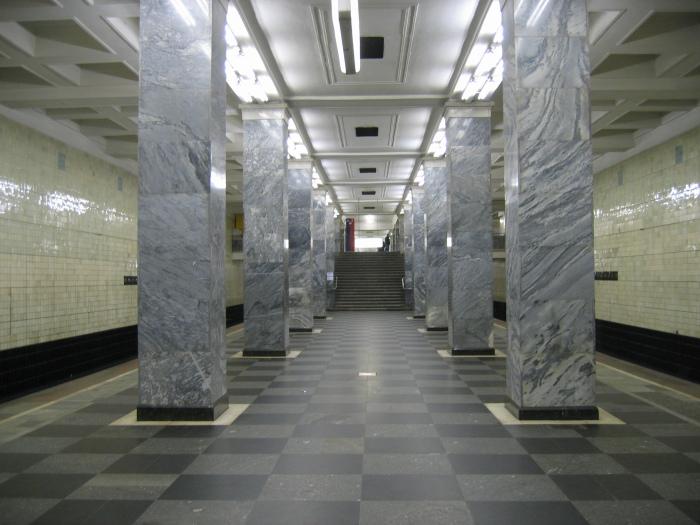 Станция метро Сокольники, для которой были использованы камни Серпуховского Кремля
