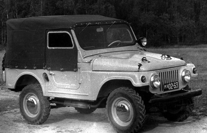 Автомобиль АЗЛК Москвич 415/416 (дедушка «Нивы»).